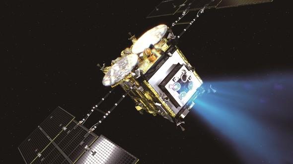 画像: イオンエンジン運転を行いながら、小惑星リュウグウに向かう「はやぶさ2」のイメージ(JAXA提供)