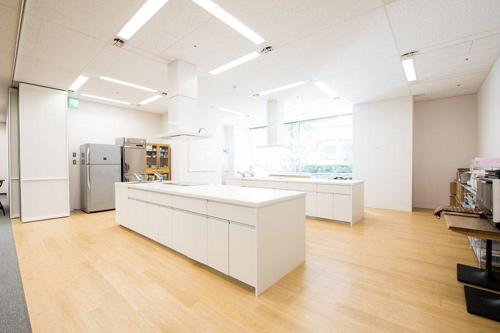 画像: 社内にあるオイシックス・ラ・大地のキッチンスタジオ