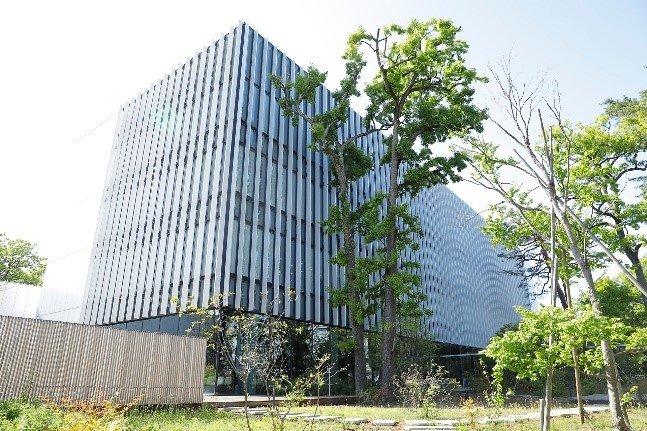 画像: ハピネスプラネットが居を構える日立研究開発グループの「協創の森」