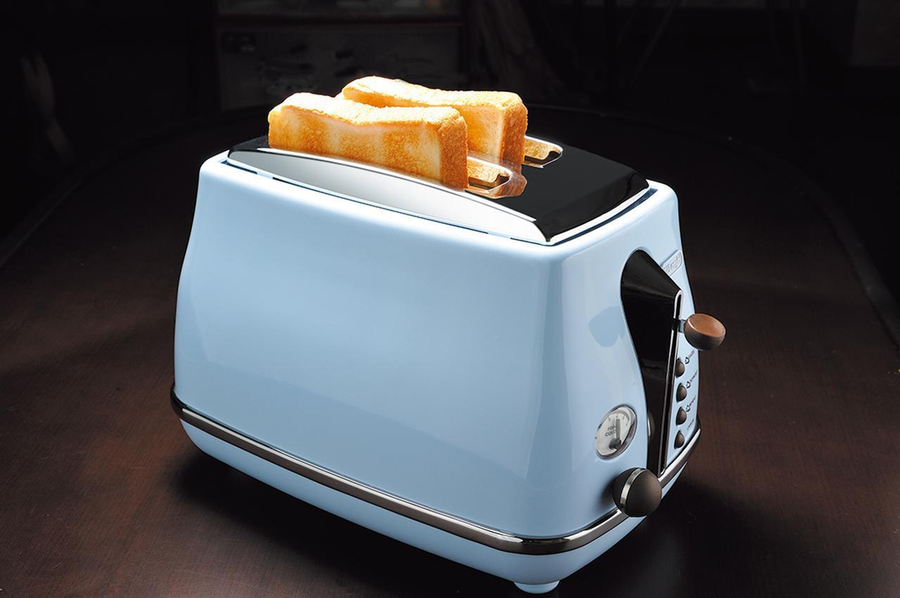 画像: 10枚切りから、厚めの4枚切りのパンまで対応。熱源が近いので、短時間で香ばしいトーストに焼き上がる。