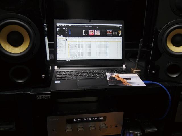 画像: 編集部Sが所有するオーディオ機器(ソニーのハイコンポ、System501)。SACD再生にも対応したスグレモノだ。これにUSB DAC経由でノートパソコンを接続し、ハイレゾ再生を含めた「PCオーディオ」を楽しんでいる。