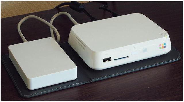 画像: 市販のハードディスクでも対応可能だが、初心者用に「安心バックアップキット」(1万4904円)も用意。
