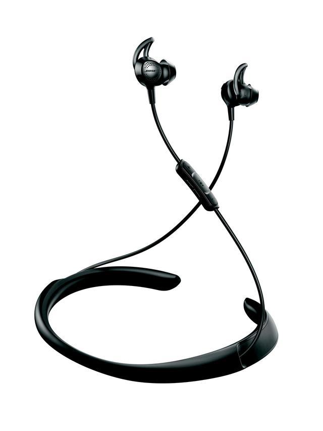 画像: ワイヤレス、ノイズキャンセル、そして、耳に軽くはめるタイプのイヤホン形状と、私にとっての三拍子がそろった製品。ネックバンドがあるため、コンパクトにしまうことはできないが、首に掛けた状態でも普通に行動できる。