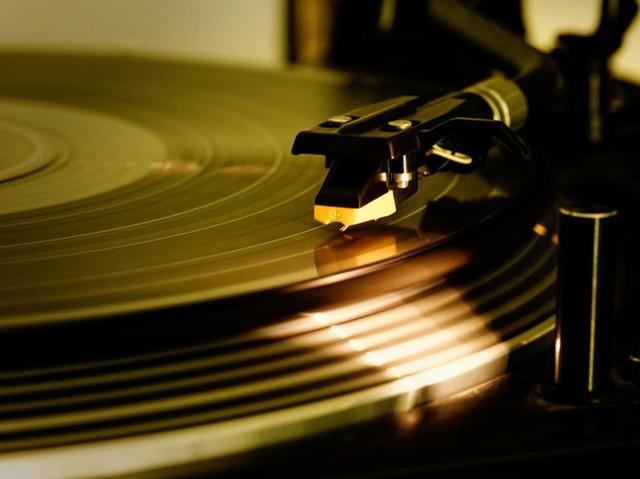画像: レコードとCD、なぜトレース方向が逆なの?