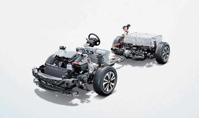 画像: モーターと発電機を1基ずつ搭載するシリーズパラレル方式。理想のシステムだが製造コストと重量に課題も。