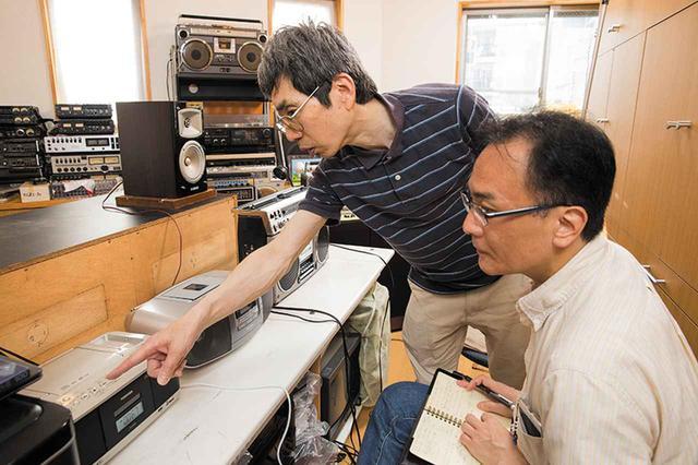 画像: 試聴に協力してもらった ビデオ工房トパーズ の中村氏(左)。中村氏はイベントなどのビデオ撮影、編集、BD製作のほかに、オーディオ関連のコンサルティングも行う。