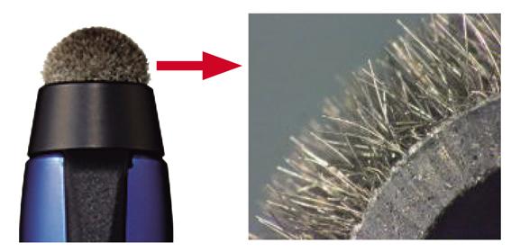 画像: シルバーコートの特殊繊維を植毛した「Agファイバーチップ」を採用。画面に触れたときに繊維が広がって面を作ることで、優れた反応性を実現している。