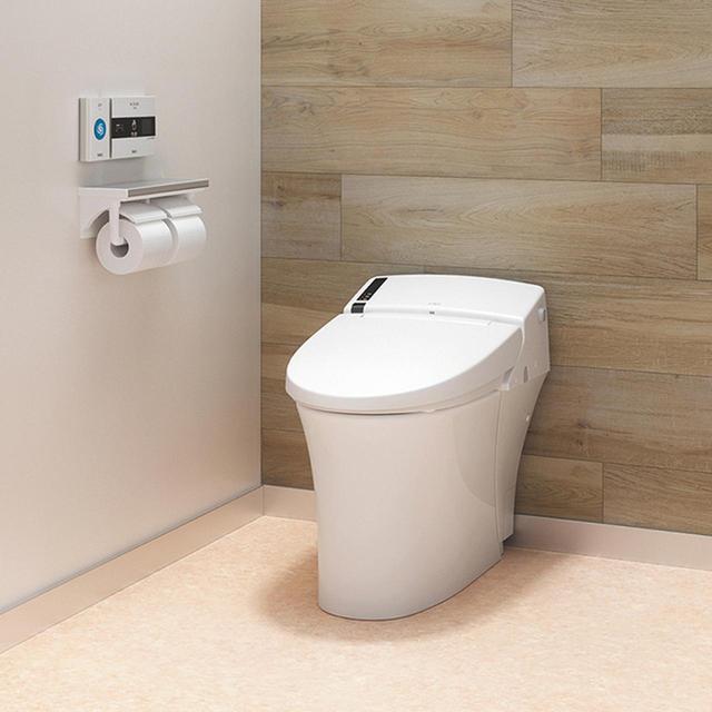 画像: AC電源を利用し、使用者を検知して自動で音が鳴り始めるオートタイプと、電池式で壁に固定するだけの省施工な手かざし専用タイプを用意。