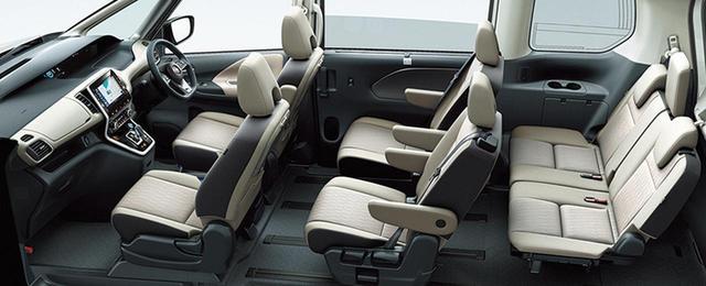 画像: e-POWERは、新型セレナで唯一2列めキャプテンシートを採用した7人乗り仕様。駆動用バッテリーをフロントシート下に配置するため、居住スペースはガソリン車とほぼ変わらない。