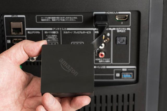 画像: 非対応のテレビの場合は、Amazon Fire TVなどの専用端末をHDMI接続し、これでネット接続すれば使用できる。