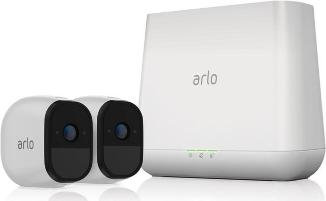 画像: IP68 Wi-Fiで通信するワイヤレス・ネットワークカメラ。風雨や砂塵に強いので、電波が届く範囲で屋外にも設置できる。 amzn.to