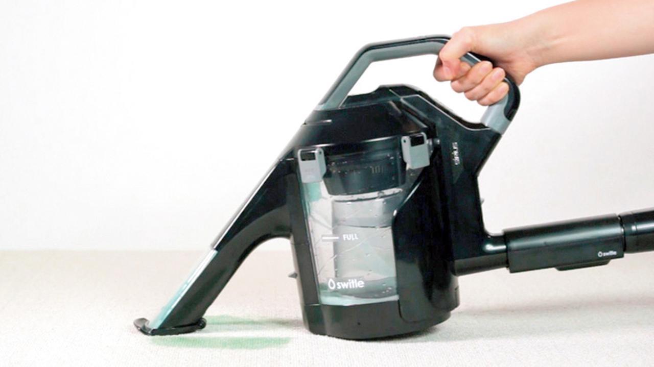 画像: スイトルの洗浄は、洗濯機でいうところの「すすぎ」の状態。頑固なシミや汚れは、重曹などで下洗いをすると、よりきれいに取れる。