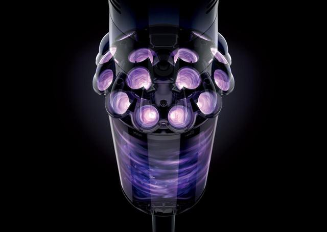 画像: 本体の周りに同心円状に14個のサイクロンを配置。7万9000G以上の遠心力を生み出して微細な粒子やホコリなどを空気から分離する。