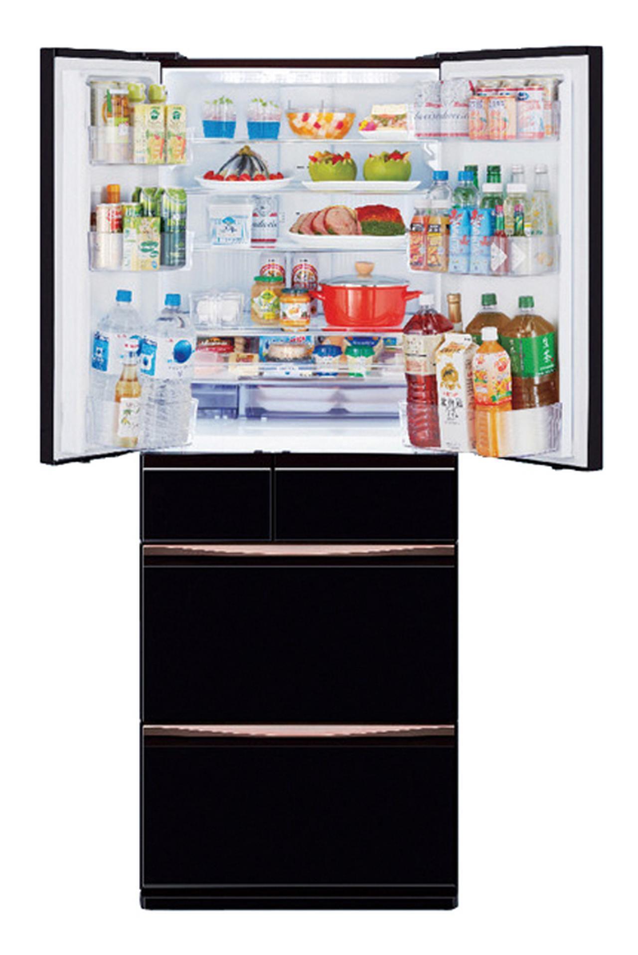 画像: ビタミンをアップさせる野菜室を真ん中にレイアウト
