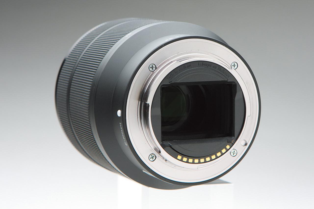 画像: マウントはカメラとレンズをつなぐだけでなく、電気接点により情報やエネルギーなどのやり取りを行う、極めて大切な部分だ。