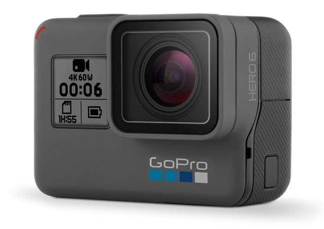 画像: 伝統の四角いボディは、先代のHERO5と同じ。レンズ横のカメラステータススクリーンには、基本的な設定や状態を表示する。 ●サイズ/幅62.3㎜×高さ44.9㎜×奥行き33㎜●重量/117g