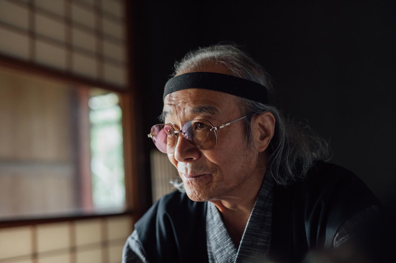 画像: 七代目当主の長谷優磁氏。伝統を守りつつ、時代に合わせたモノ作りを身上としている。