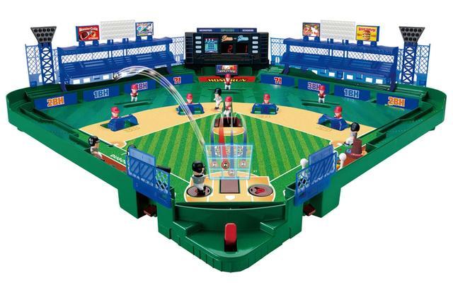 画像: 投手は高中低、左右中央という九つのストライクゾーンへの投げ分けが可能。迎えるバッターも上下に動いて対応できる。サイズは、幅530㎜×高さ135㎜×奥行き530㎜。