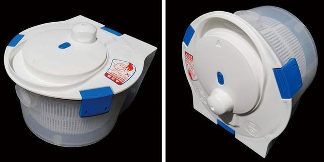 画像: 選択とすすぎは縦置きのローギアで(右)、高速回転の脱水は横置きのハイギアで行う(左)。脱水は家庭用の電気洗濯機と同等の毎分900回転となる。
