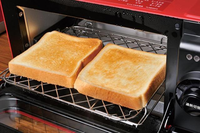 画像: 外側はサクッ、中はしっとりモチモチに。ヘルシオでは10分以上かかるトーストが3分でOK。