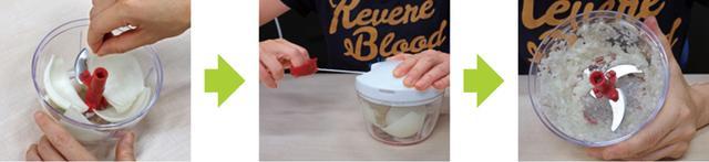 画像: 容器にたまねぎを入れたら、ひもを数回引くだけで、みじん切りになった。細かさも均等で、完成度高し!