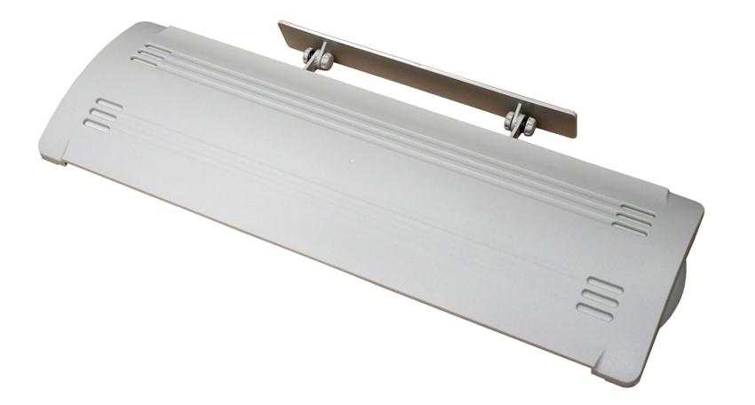 画像: 穴あけ不要の簡単設置。エアコンの吹き出し口に取り付けて、空気の流れをコントロールする。落下防止用のコード付き。