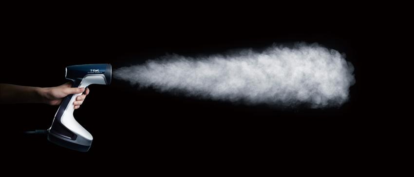 画像: 業界トップレベルの毎分平均20グラムのスチーム量。繊維の奥まで浸透してシワの原因をしっかりとほぐす。 ●電源/AC100V●タンク容量/185ml●サイズ/幅130㎜×高さ283㎜×奥行き141㎜●重量/1220g