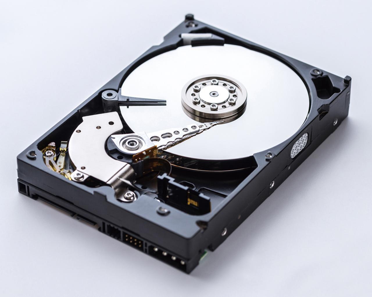 画像: パソコンが故障すると、HDDが壊れていなくても中身を読み出せなくなる。外付けHDDも、中には同等のHDDが入っている。
