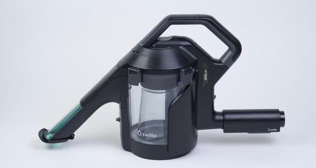 画像: 普通の掃除機に取り付けるアタッチメント。スイトル自体に動力はなく、接続した掃除機の吸引力だけで、水噴射、汚水吸引、水と空気の分離を行う。