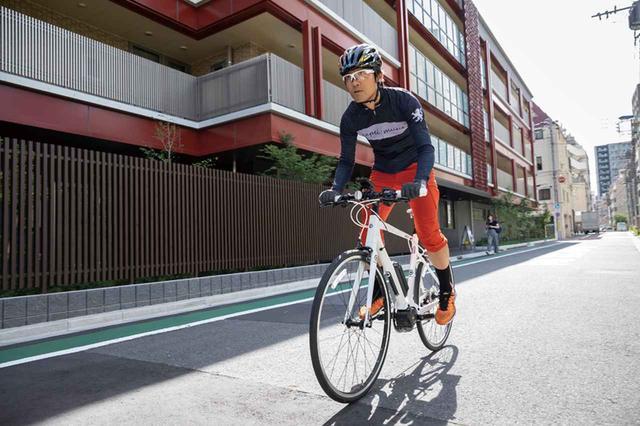 画像: キビキビしたスポーツバイクとしての性能を実感。ストレスのない変速性能も魅力。平地ではエコモードで十分だ。
