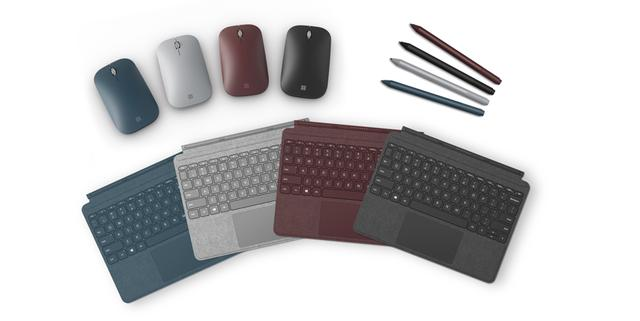 画像: マウスやスタイラスなど豊富なアクセサリーを用意。中でもファブリック素材を採用した「Surface Go Signature タイプ カバー」(実売価格例:1万6530円)は、2in1スタイルで利用するなら必携だ(黒はSurface Go タイプ カバーで実売価格例1万2744円)。