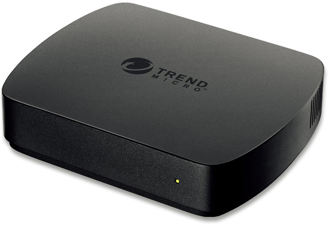 画像: 家庭内LANにつないで使うホームセキュリティ機器で、実売価格例は1万7290円。継続使用の場合、1年ごとに6480円がかかる。