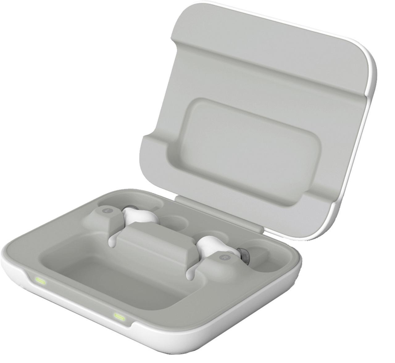 画像: 充電が可能なケースが付属。このほかにキャリングケースも付属する。