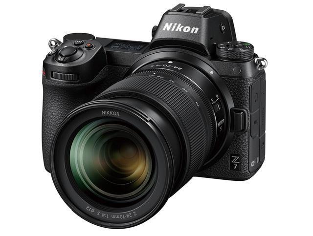 画像: 有効4575画素の裏面照射型CMOSセンサーを搭載。最高感度はISO2万5600で、階調再現性や高感度特性も優秀。AF・AE追従時の最大連写速度はZ6と同じ5.5コマ/秒を実現する。本体サイズ・重量は、幅134ミリ×高さ100.5ミリ×奥行き67.5ミリ・585グラム。