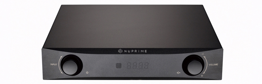 画像: 「デジタルアンプは音が悪い」のイメージを払拭した画期的なプリメインアンプ。内蔵DACは384kヘルツのリニアPCM対応。 ●幅235㎜×高さ55㎜×奥行き281㎜●4.3㎏