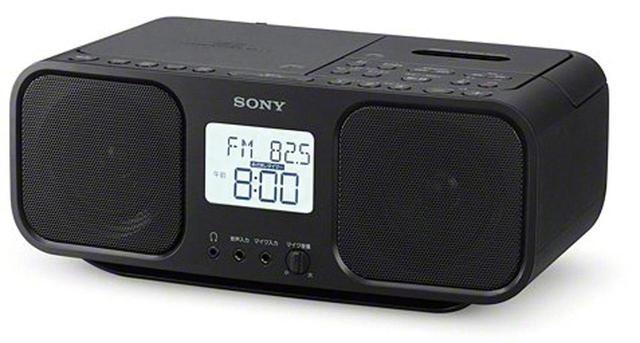 画像: CD、ラジオ、カセットを搭載したラジカセ。カセット機能はシンプルにノーマルポジション専用となっている。ラジオのタイマー録音のほか、CDや外部入力機器の音声をカセットテープに録音することができる。
