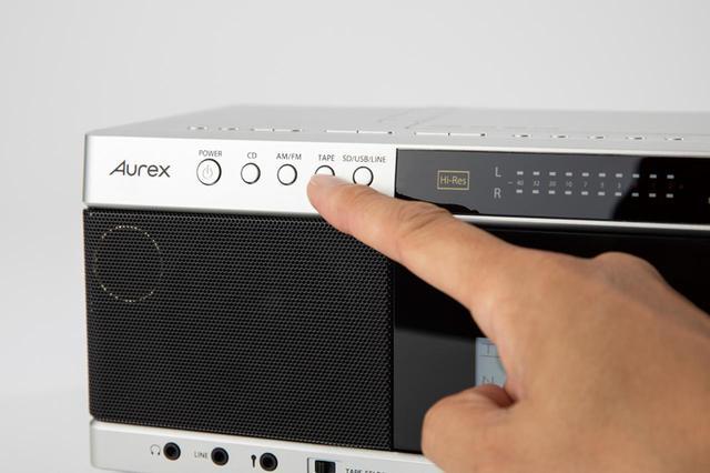 画像: カセット音源をデジタル化するので、再生ソースを「TAPE」にする。