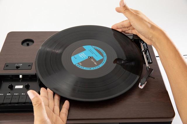 画像: レコードをセットし、クリーニング、回転数合わせなどを完了させておく。