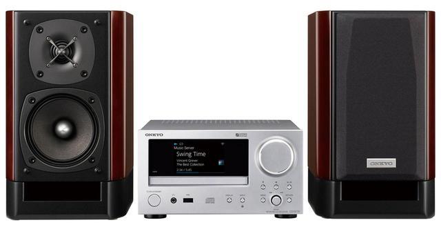 画像: 「Spotify」「Deezer HiFi」に対応し、AirPlayやChromecast built inにも対応した最新鋭のネットワーク機能を備える。DACは旭化成エレクトロニクス社のVERITA AK4490を採用。 サイズ CDレシーバー:幅21.5㎝×高さ11.7㎝×奥行き29.5㎝ スピーカー:幅16.2㎝×高さ27.4㎝×奥行き27.25㎝、重量 CDレシーバー:2.7kg スピーカー:4.9㎏(1台)、実用最大出力 40W+40W(4Ω) ドライブ:CD CD-R/RW、ラジオ:FM ワイドFM、対応ハイレゾ:PCM 192/24 DSD 11.2、ブルートゥース:SBC/AAC