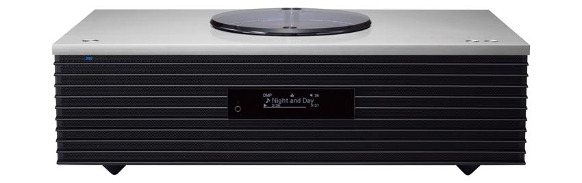 画像: テクニクスのオーディオ技術を継承したワンボディスタイルのシステム。前面に2ウエイスピーカーを備え、底面にサブウーハーを内蔵。音質の自動調整機能もある。 サイズ:幅45㎝×高さ14.3㎝×奥行き28㎝、重量:7.8kg、定格出力:30W+30W(6Ω) ドライブ:CD CD-R/RW、ラジオ:AM/FM ワイドFM、対応ハイレゾ:PCM 192/24 DSD 5.6、ブルートゥース:SBC/AAC