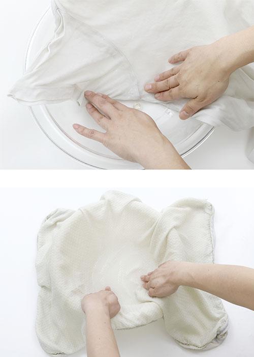 画像: ❷洗濯・脱水後、ニオイの気になるわきや頭部の当たる部分だけ浸して、ギュッと絞って、乾かす
