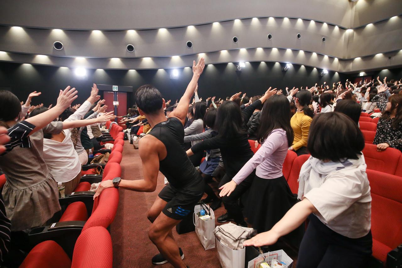 画像: 来場者の「美と健康」への熱気とモチベーションの高さが印象的。写真・マツモトキヨシ。