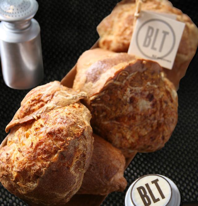 画像: 独特の軽いテイストのパン・ポップオーバー。アメリカNYのテイストを日本で。
