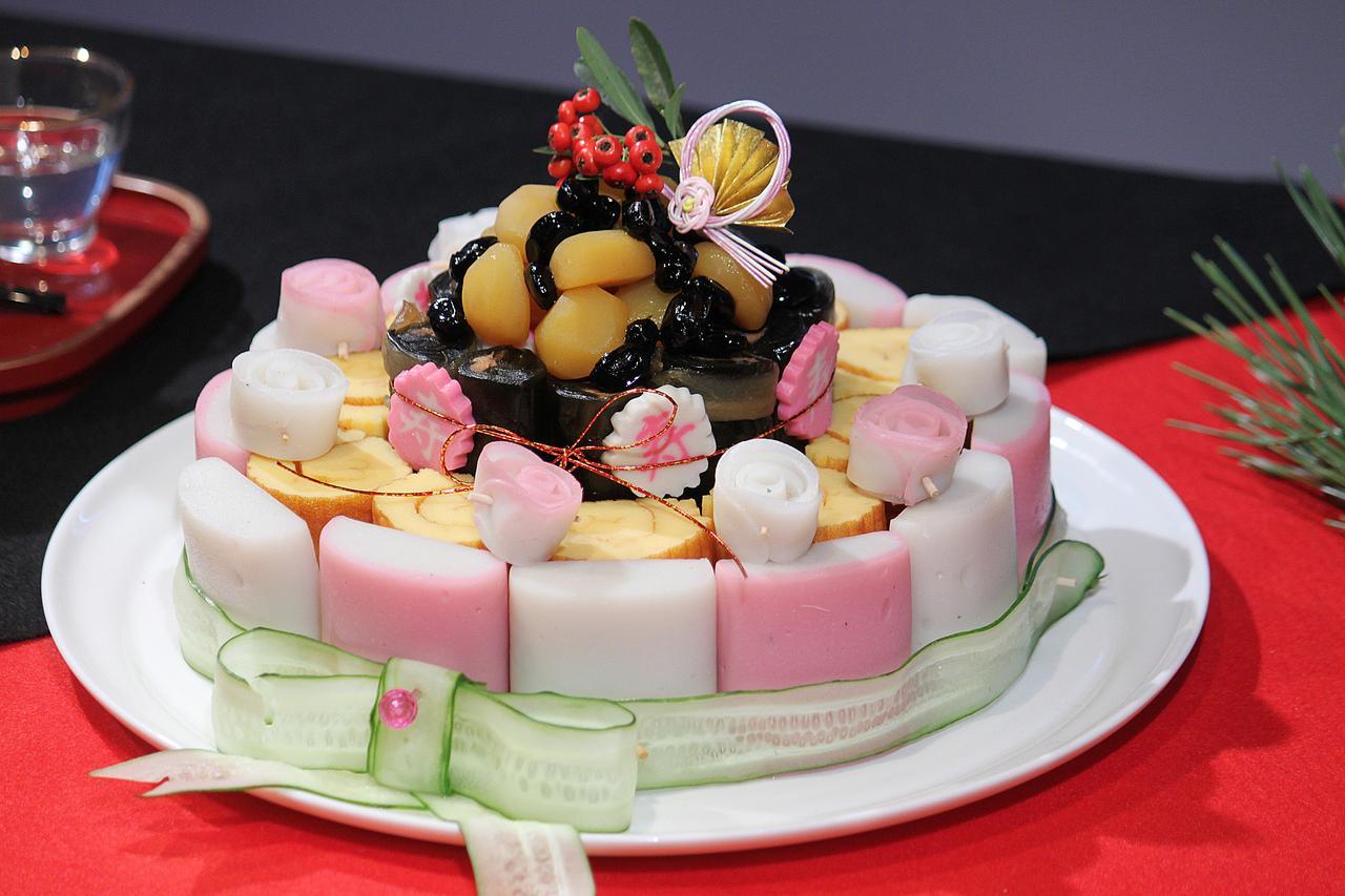 画像: ゆとり世代向け「SNS映えおせちケーキ」は18種類で1800円。