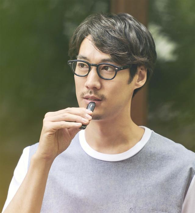 画像: マイブルー。「リキッド」を電気熱で気化させ、その蒸気を吸って楽しむ。 www.blu.com