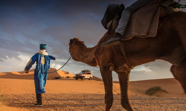 画像: モロッコ東部のエルラディシアからスタート。