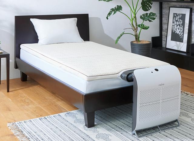 画像: 付属する調整ユニットを使うことで、さまざまな高さのベッドに設置することが可能。