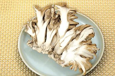 画像: マイタケを食べるのは主食をとる5分前!