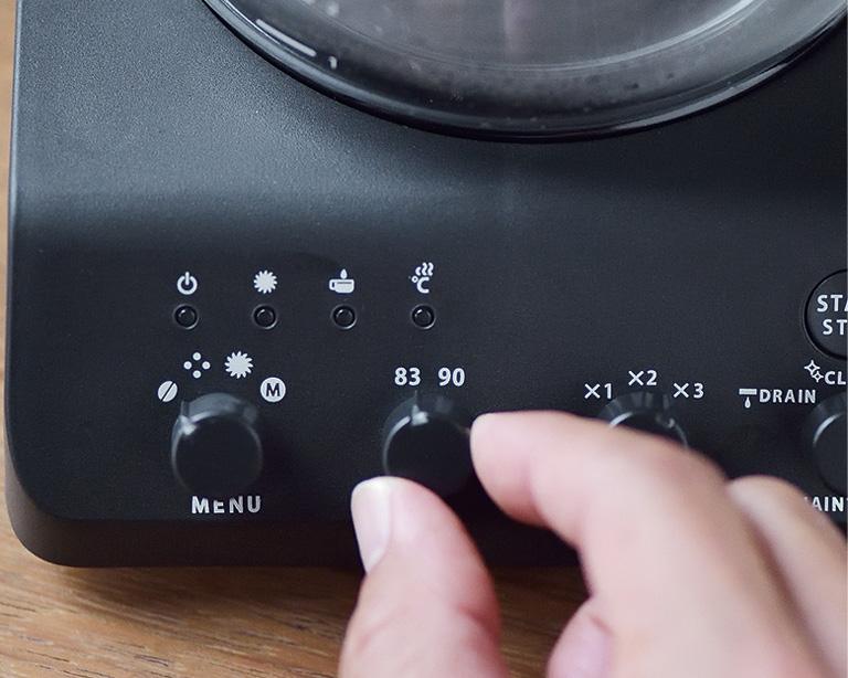 画像: 粒度は3段階、お湯の温度は2種類を用意。組み合わせによって、自分好みの味が選べる。