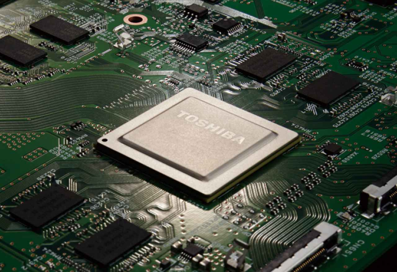 画像: 最新の映像エンジン「レグザエンジン Evolution PRO」。4K放送特有の圧縮ノイズを抑え、超解像処理で先鋭感を引き出す。